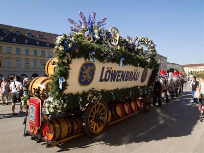 Carruaje de Lowenbrau - OktoberFest de Munich