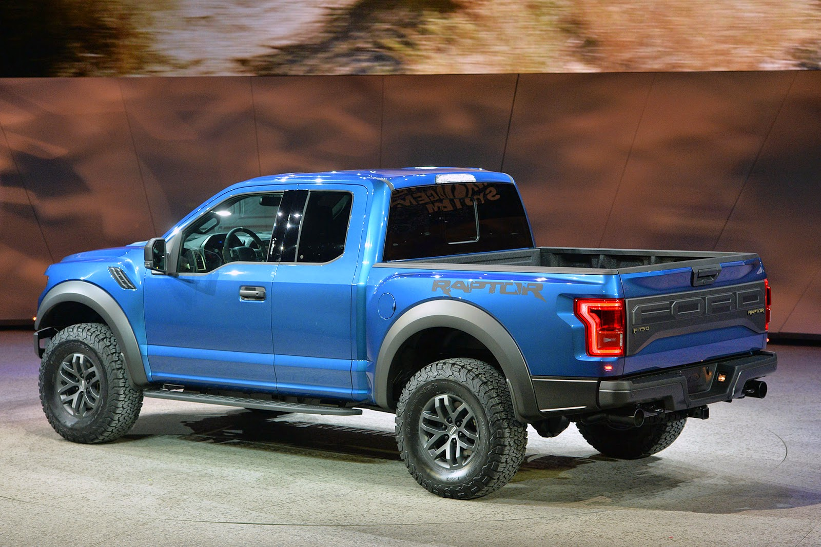 raptor f150 autos weblog. Black Bedroom Furniture Sets. Home Design Ideas