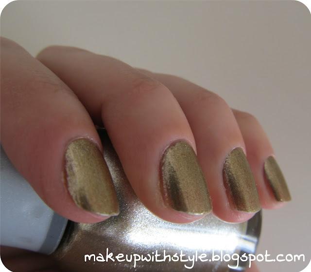 """""""gold nails"""""""