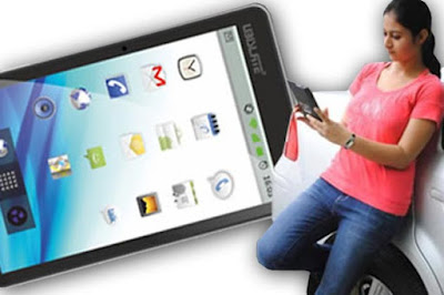 Aakash Tablet Pictures, Aakash Tablet India