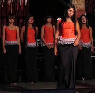 Yangon fashion show girls
