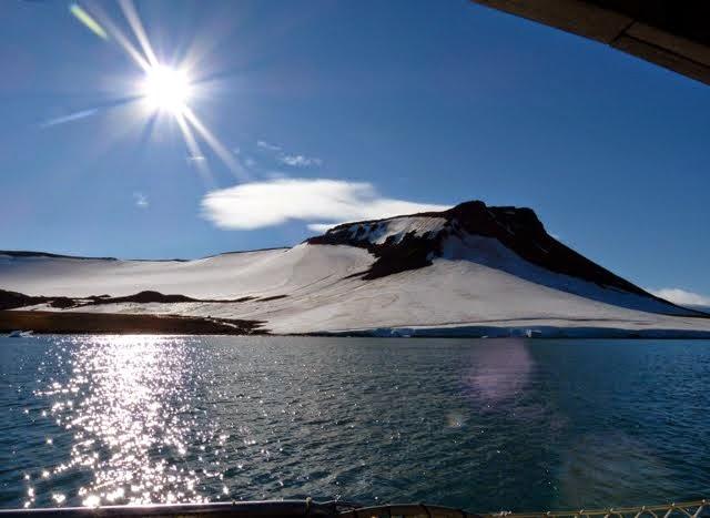 Frans Joosefin maalta Alaskaan kuvina
