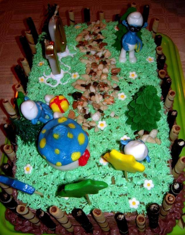 Dečija torta sa štrumfovima