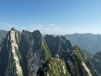 هوشان . جبل هوشان . اخطر جبل فى العالم . اخطر 5 جبال فى العالم . جبل هوشان الصينى