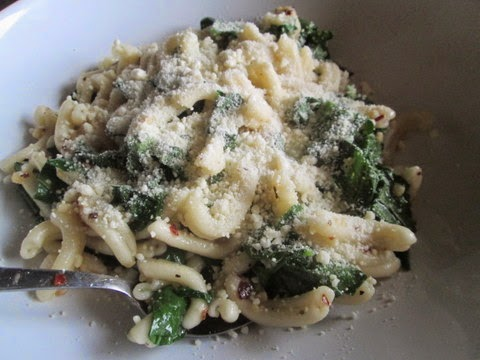 Pasta with Garlicky Broccoli Rabe with cheese