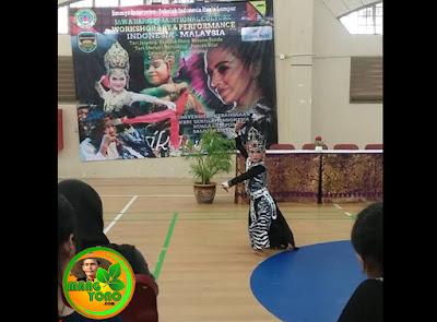 Puri EmilyTampil di KBRI Malaysia