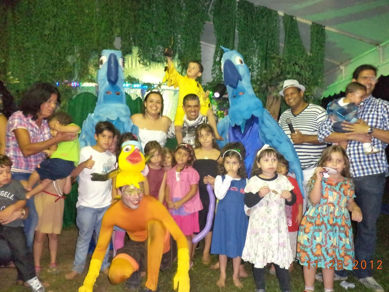 Teatro com personagens Filme RIO