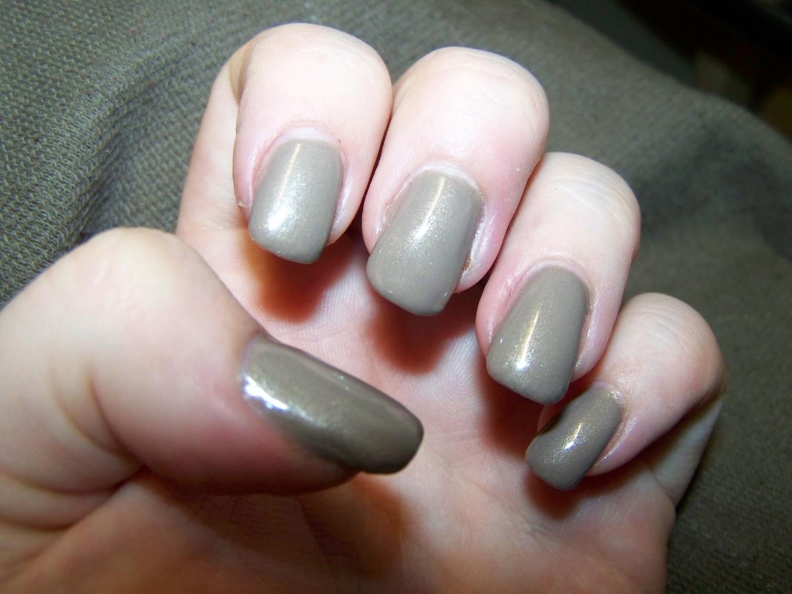 cessa goes beauty notd essence cut off the beige. Black Bedroom Furniture Sets. Home Design Ideas