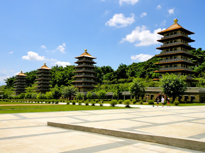 A Clear Blue Sky at Fo Guang Shan Memorial Center, Kaohsiung