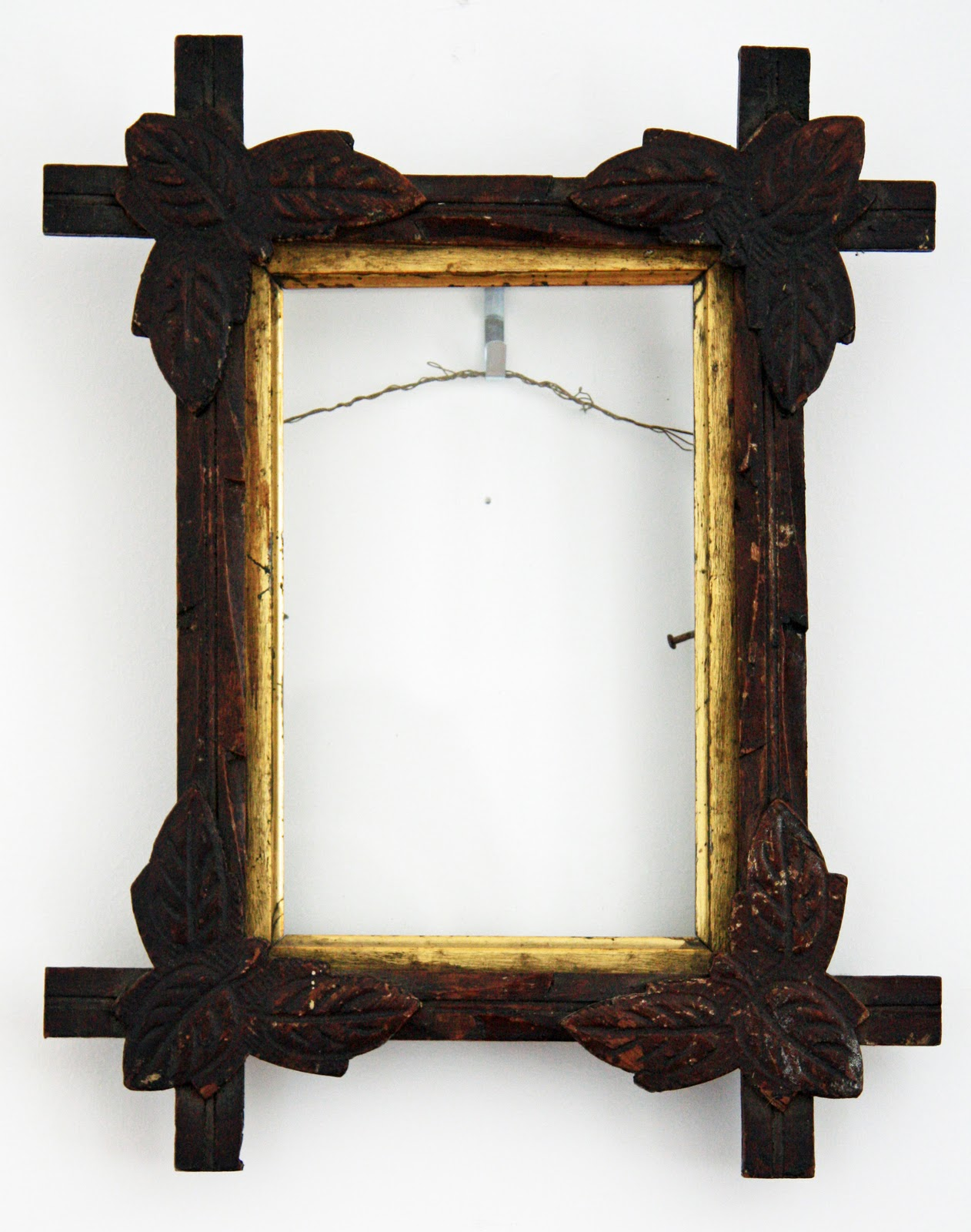 i love the feel of these old rustic frames its sometimes hard to find these frames with all of their leaves in tact but when you do they compliment