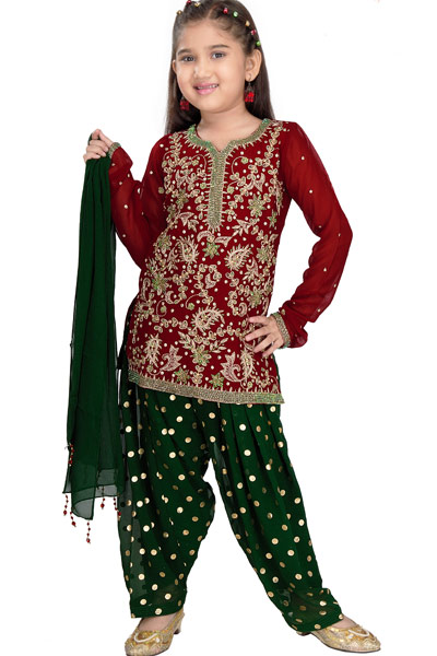 We bring to you the globally popular collections like Abaya, Dress, Gown, Lehenga, Pavadai Set, Salwar Kameez to Saree, Skirt Set, Tops, and Indo-Western for Indian festivals and celebrations like Holi, Navaratri, Krishna Jayanthi, Sangeet, Christmas, Mehendi, Diwali, and Eid in our online shopping store. Thus, you can cater your girl's fashion thirst at our best prices.
