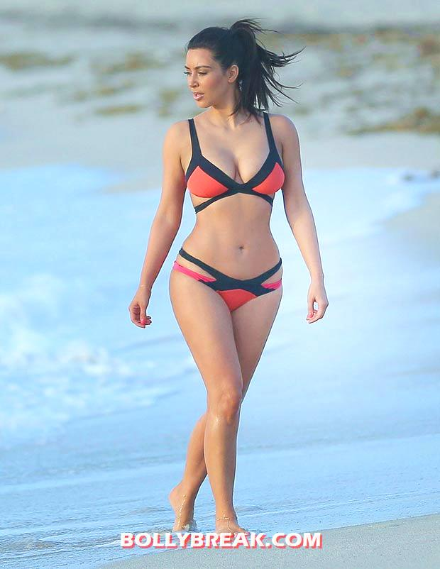 Kim Kardashian Miami Beach bikini Pic - Kim Kardashian Miami Beach bikini Pics - August 2012