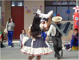 Estupendos Bailarines de nuestro Baile Nacional de trayectoria escolar