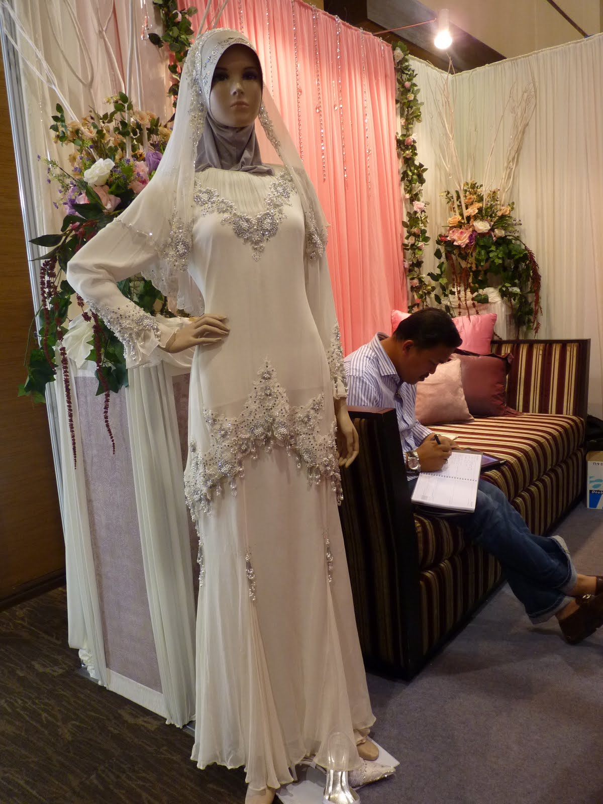 Bridal Gown For   Malaysia : Malaysian wedding dresses short