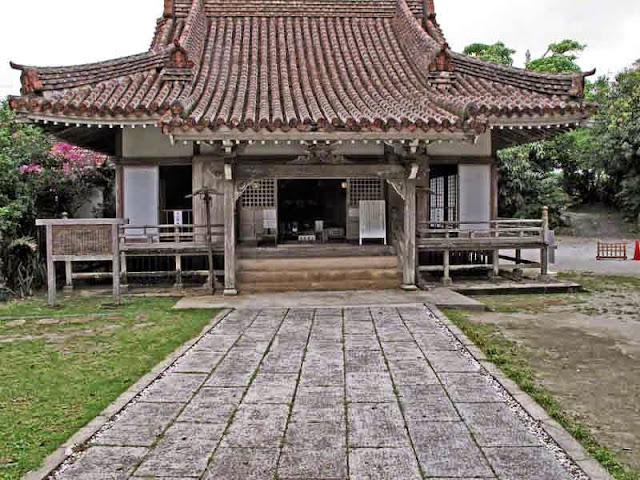 Kin Temple, Buddhism