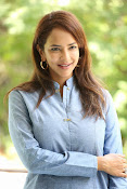 Lakshmi manchu new photo shoot-thumbnail-20