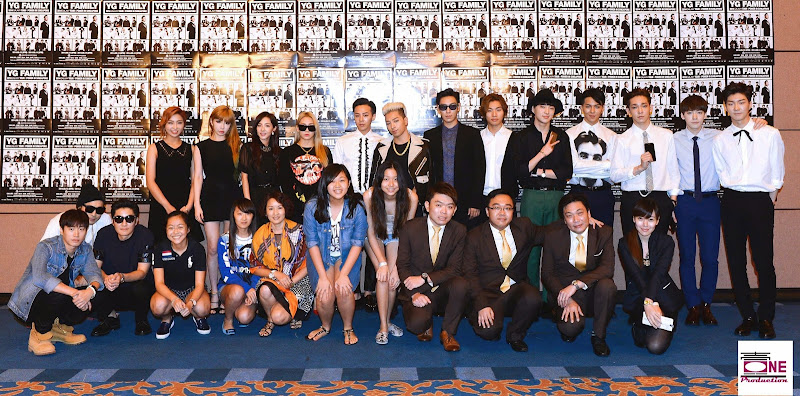 YG Family with Fans in Singapore (140912) [PHOTOS]