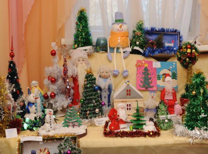 Как оформить выставку поделок к новому году в детском саду