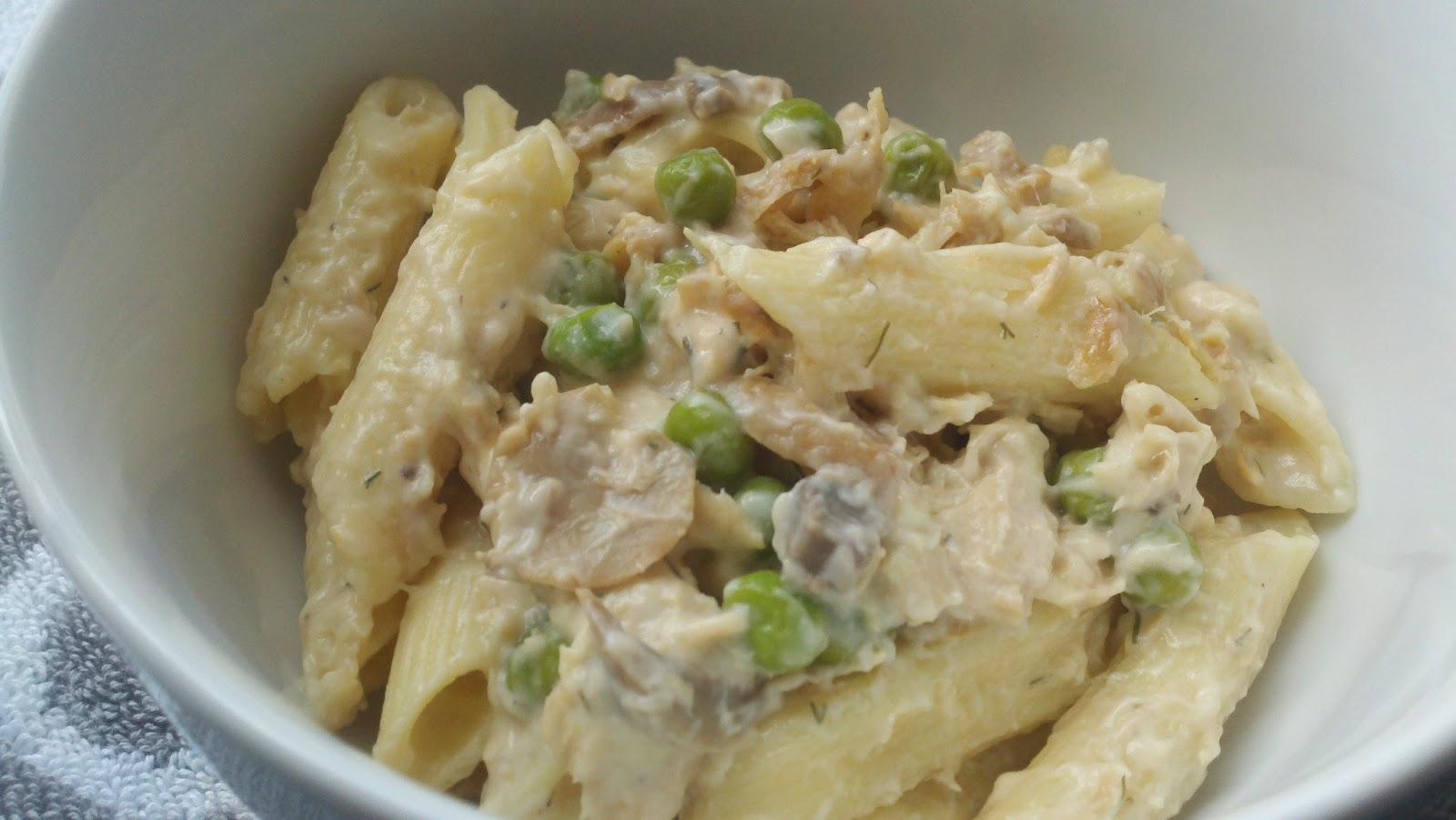 L c k cafe tuna noodle casserole for Tuna fish casserole recipe