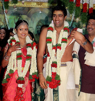 r ashwin and his wife  Ashwin with her wife at