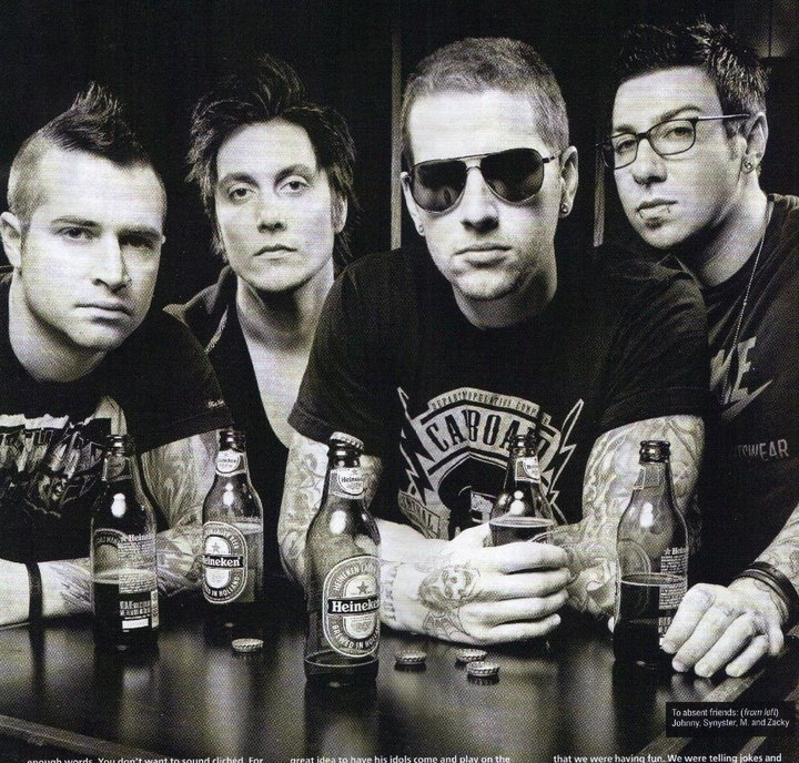Kotak Musik Ku: Download lagu Avenged Sevenfold - Buried Alive