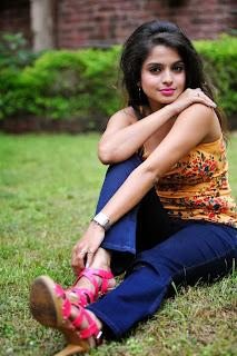 Sheena Shahabadi Sleeveless and  Blue jeans Pics