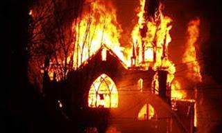 http://infomasihariini.blogspot.com/2015/10/inilah-kronologi-kejadian-pembakaran.html