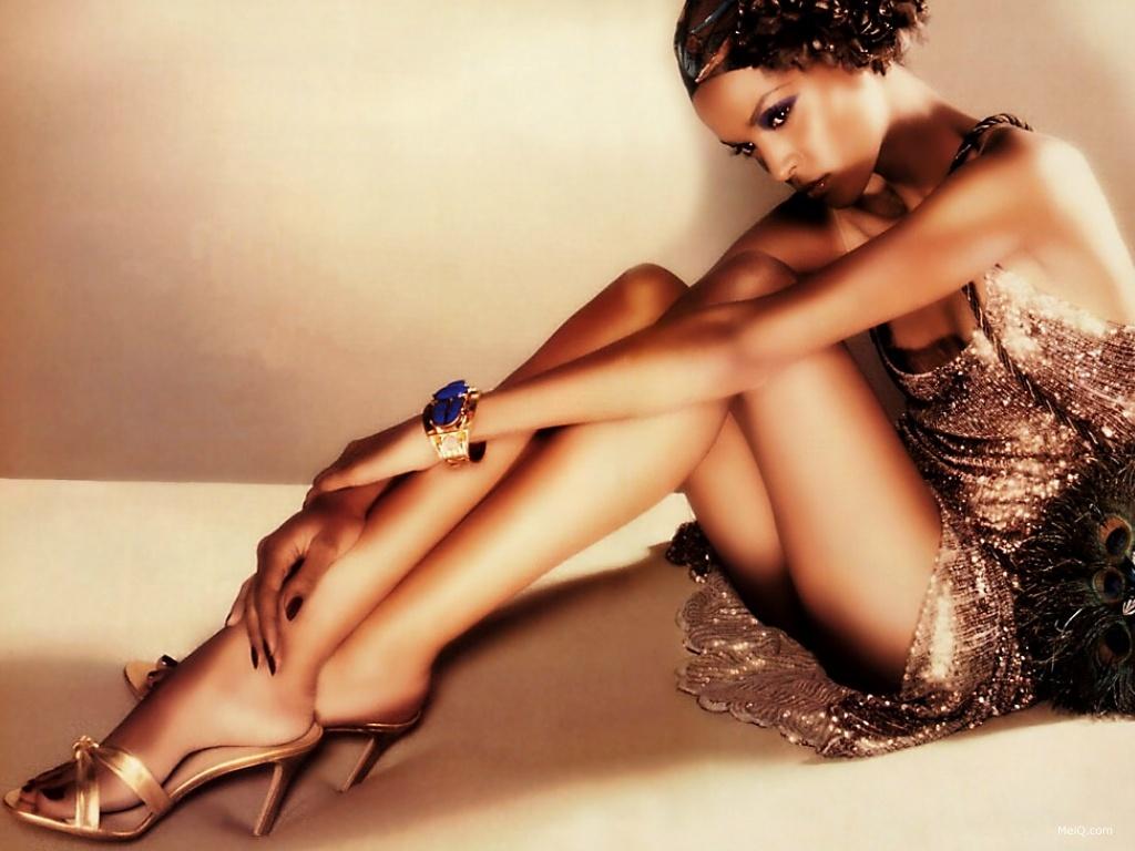 http://3.bp.blogspot.com/-q4R4EYd4Wrk/TYMI6VcEFSI/AAAAAAAAHIs/ykhX0-7mr_8/s1600/1150426944_1024x768_woman-sexy-leg-wallpaper-729156.jpg