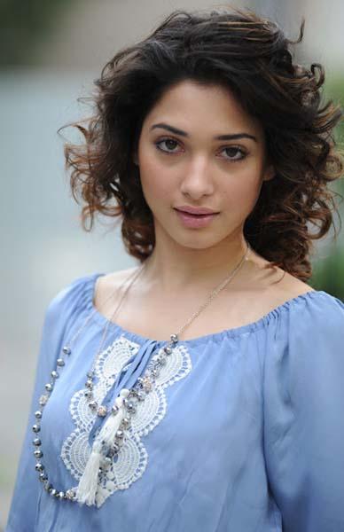 Actress Latest Photos Tamanna Bhatia Oosaravelli Movie Short