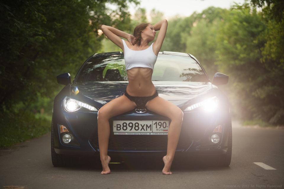 Toyota GT86, sportowy samochód, boxer, japoński, dziewczyna i auto