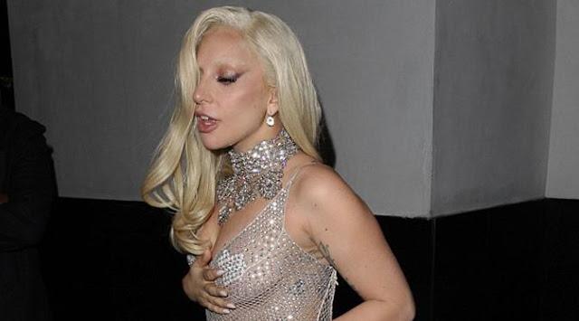 Makan Malam Bareng, Lady Gaga Tak Pake Daleman