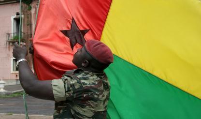 MNE da Gâmbia destaca papel de Angola na reforma da defesa e segurança guineense