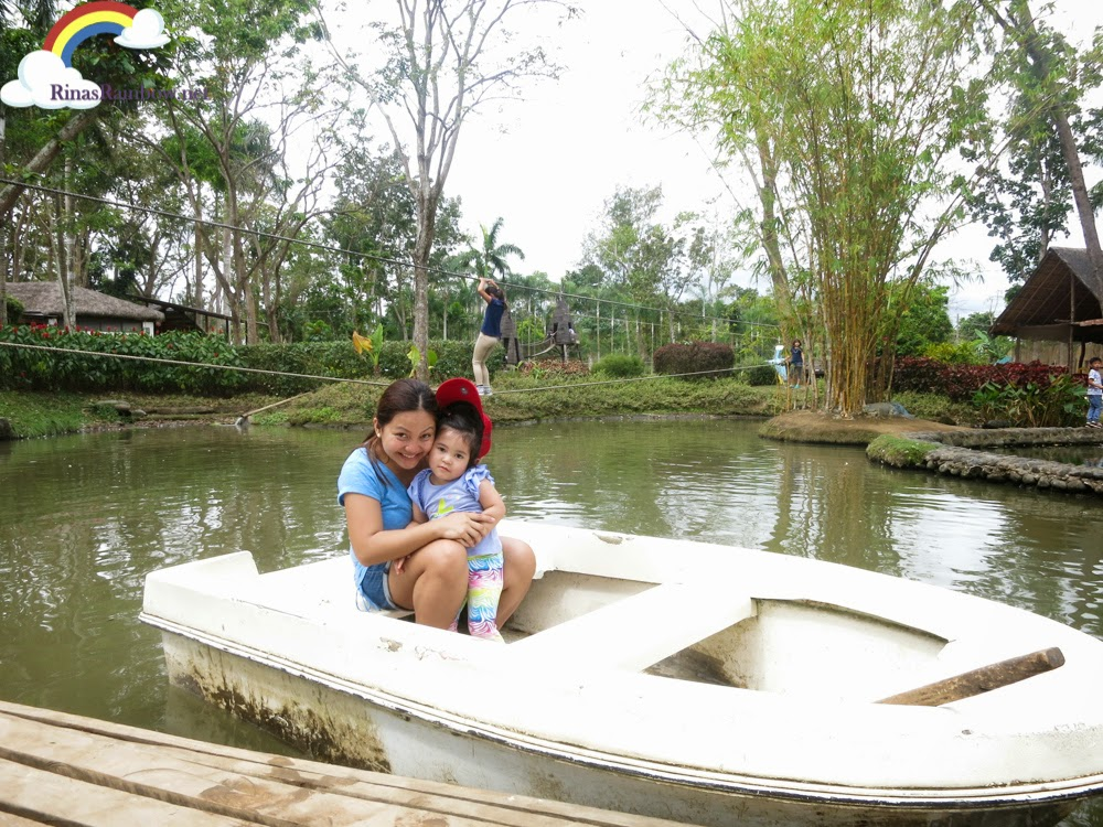 white boat small lake