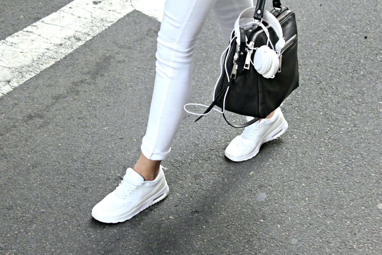 Nike Air Max Vita Outfit