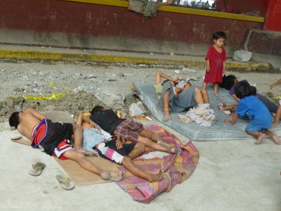 Street kids at Rizal Avenue, Manila