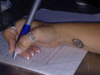 Con la mano, que te escribo Luna