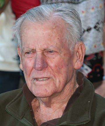 Geoffrey fisken new zealand world war ii flying ace died he was 95