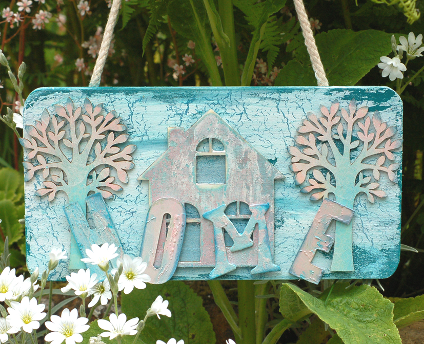 Petals 'n' Stuff: Home is where the plaque is: For Calico Crafts