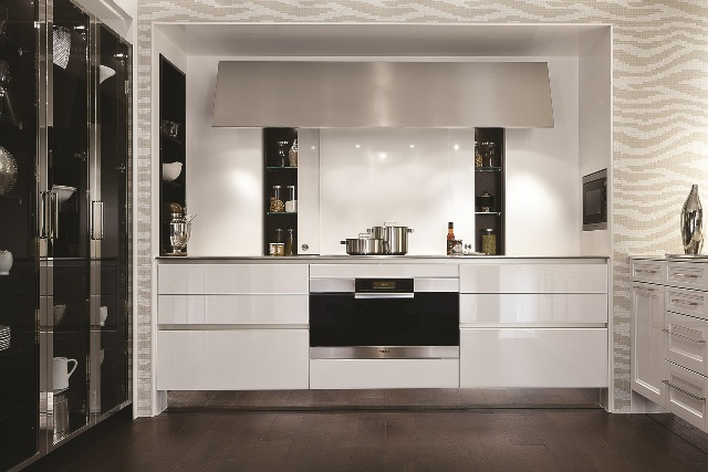 The first BeauxArts.02 kitchen shows SieMatic\u0027s Lotus Gloss Lacquer finish. & Kitchen and Residential Design: SieMatic introduces the latest ... kurilladesign.com