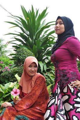 Buat apa Jilbabmu kalau Payudaramu ditonjolin?