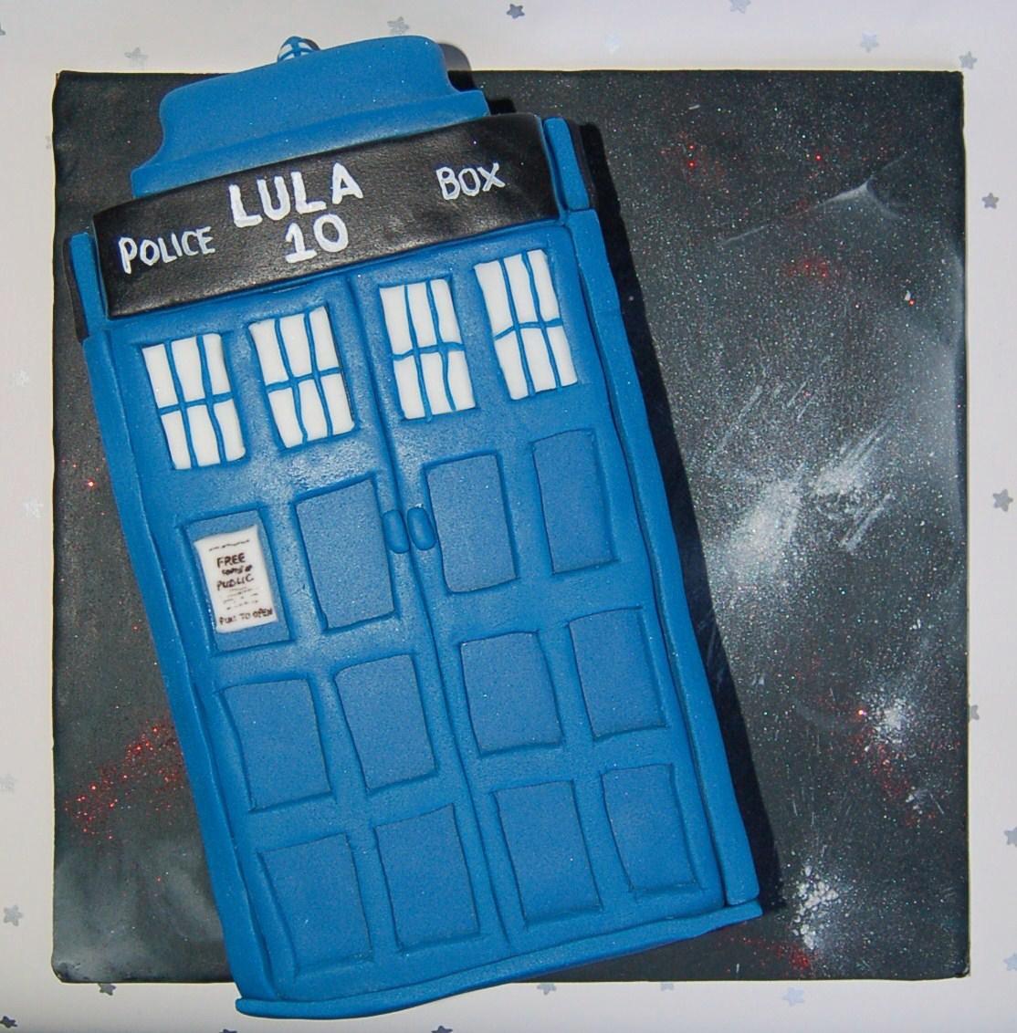 Brighton Baker Dr Who Tardis Cake Happy Birthday Lula