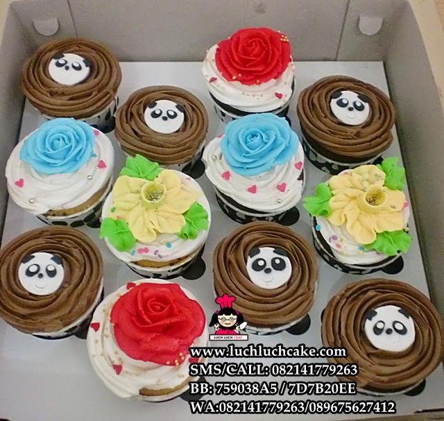 Cupcake Buttercream Bunga dan Panda Daerah Surabaya - Sidoarjo