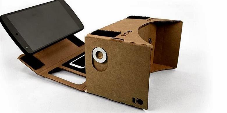 Ponsel Android terpasang pada headset VR Google Cardboard