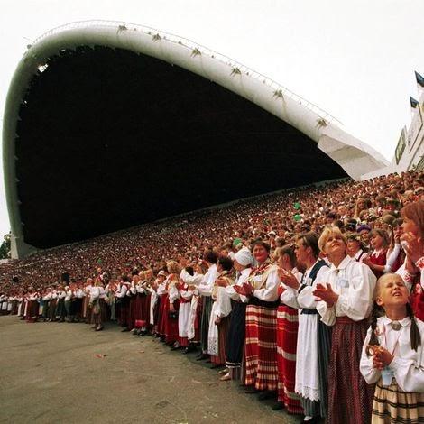 La république estonienne et le russe