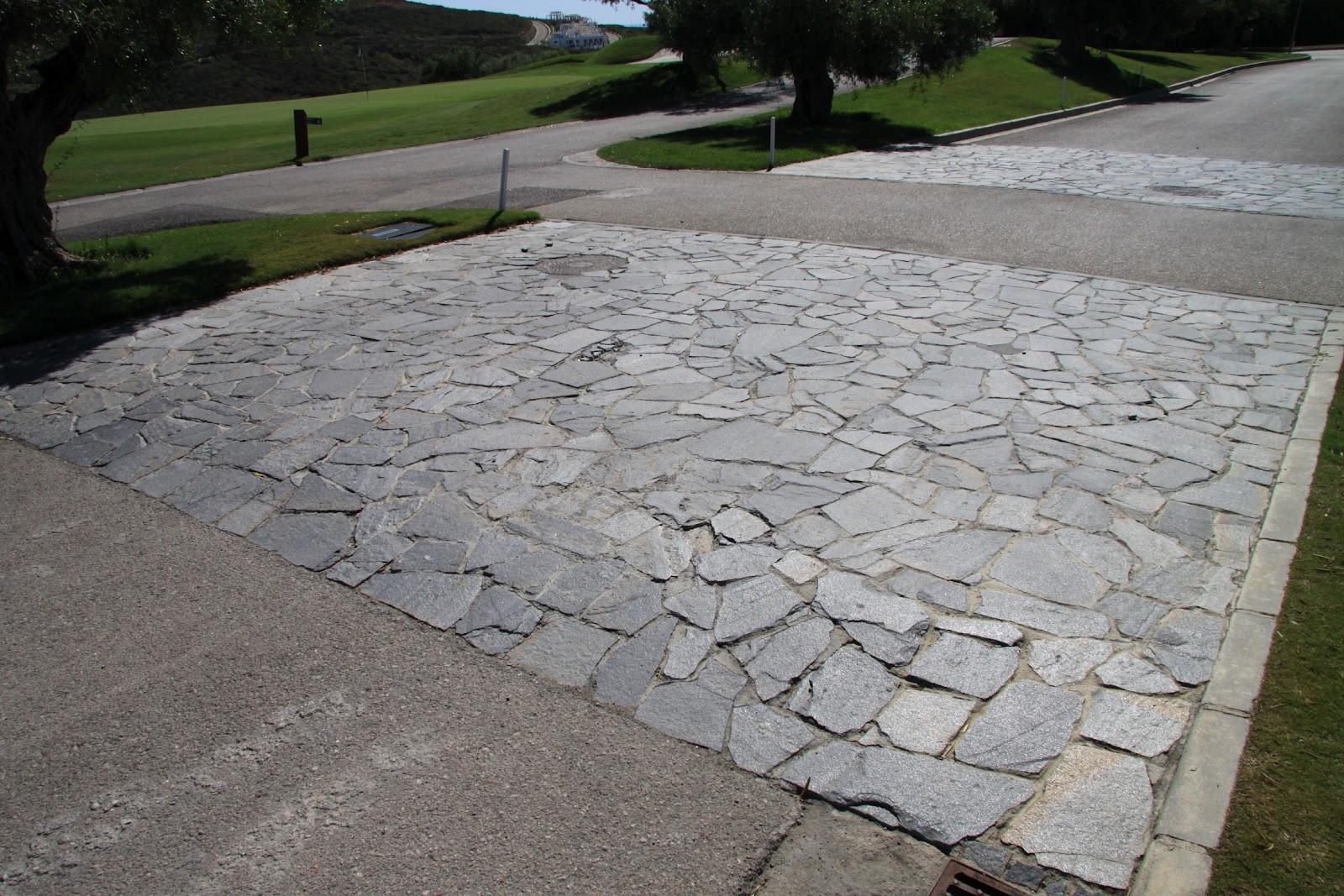 las piedras singles Las piedras es una casa rural muy especial, situada en la axarquia, en la provincia de málaga.