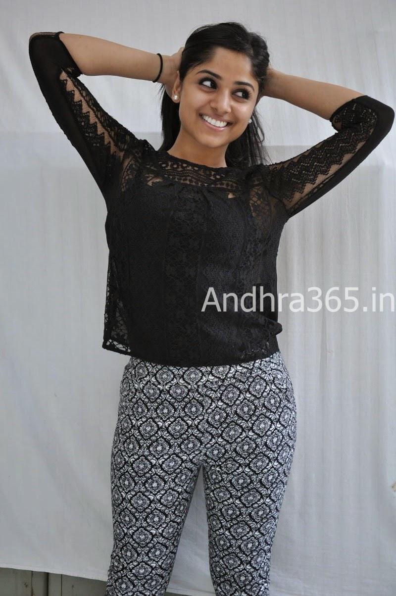 Actress Rehhana Hot Stills