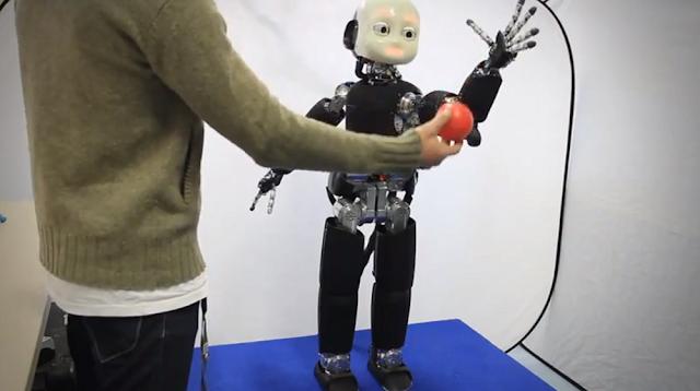 iCub robot balancing