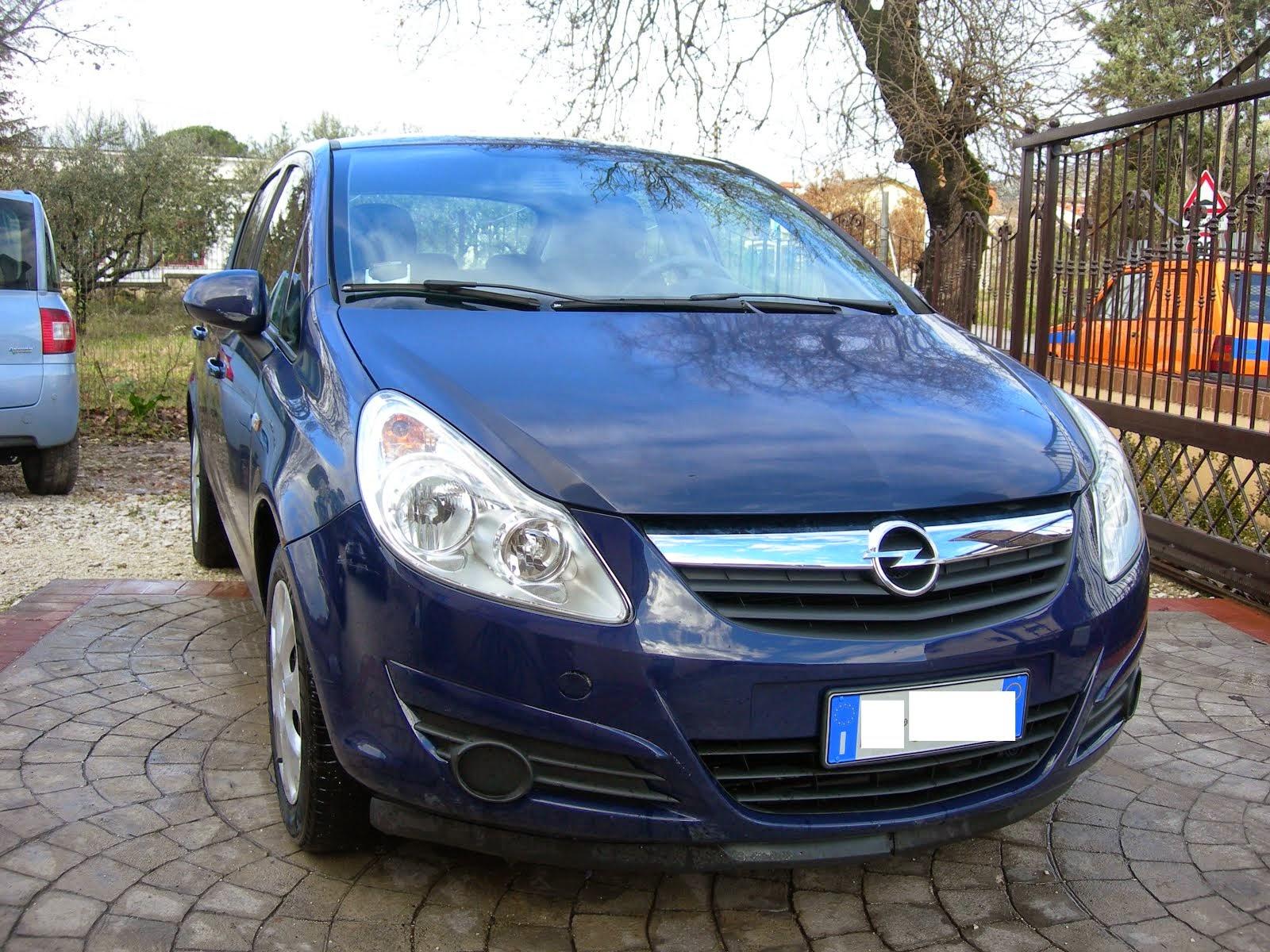 Opel Corsa 1.2 benzina accessoriata Anno 2008 80.000 km