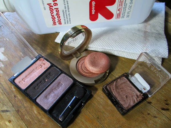 How to Fix Cracked Eye-Shadows