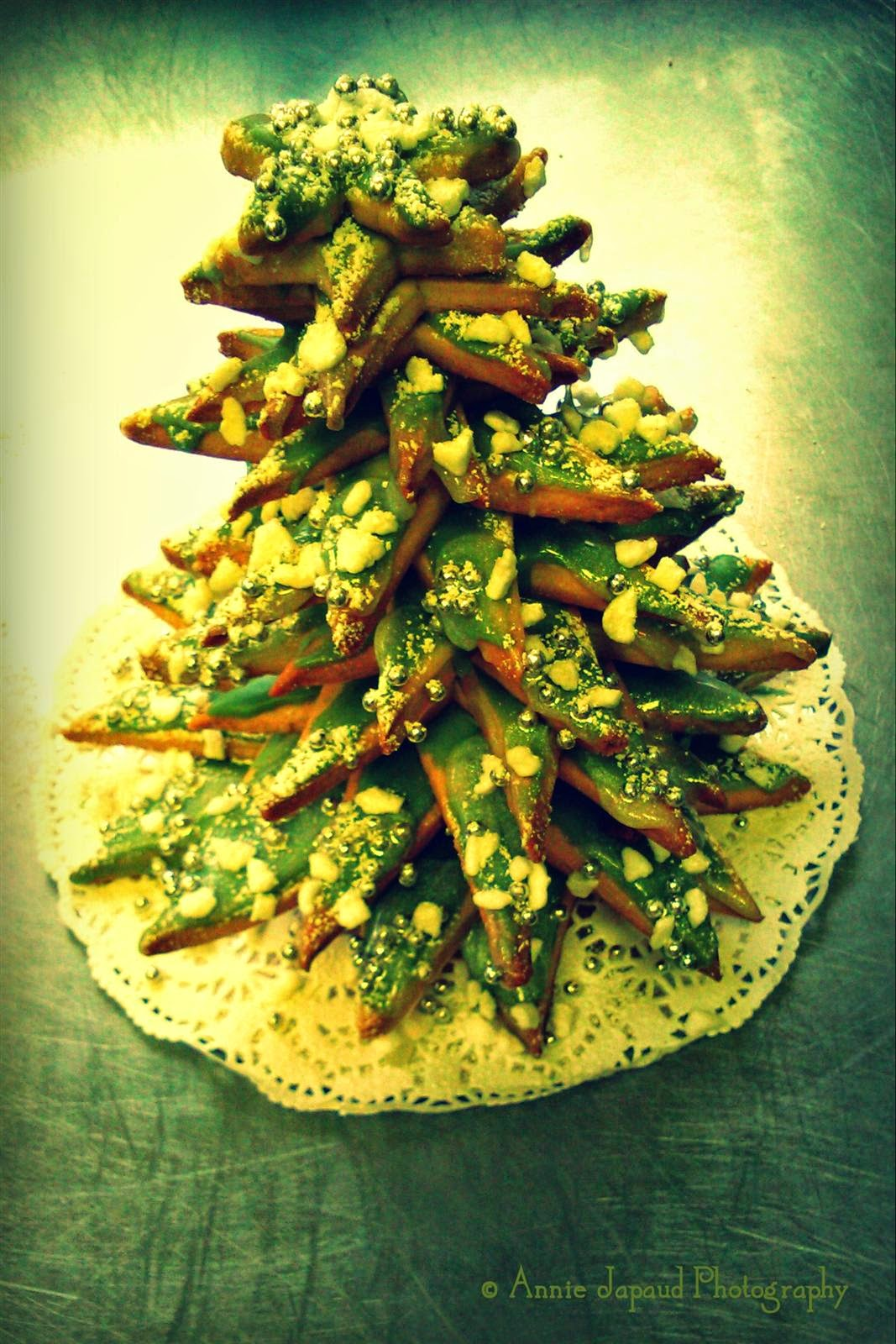 a cookie Christmas tree